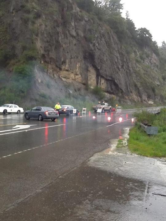 Rock slide closes Redwood Drive - 27 March 2012