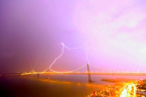 Lightning Striking Bay Bridge 12 Paril 2012